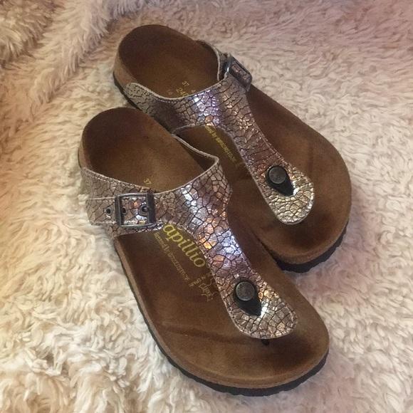 4634fff8429 Birkenstock Shoes - Like New Birkenstock Papillio Gizeh Sandal